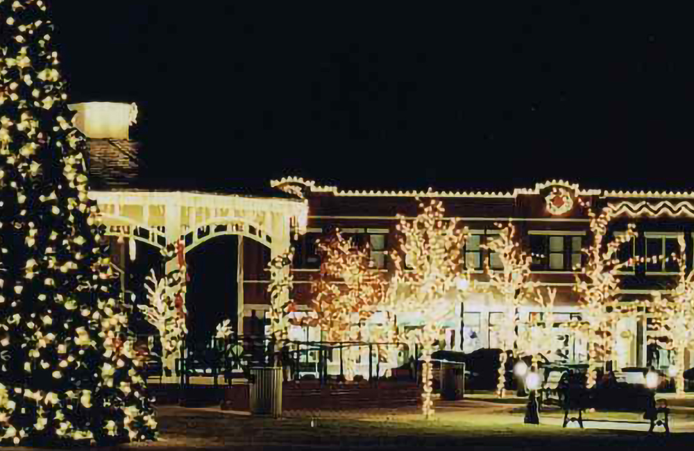 Lincoln Nebraska Christmas Lights 2021 Festive Expressions Professional Holiday And Outdoor Lighting Experts In Lincoln Nebraska